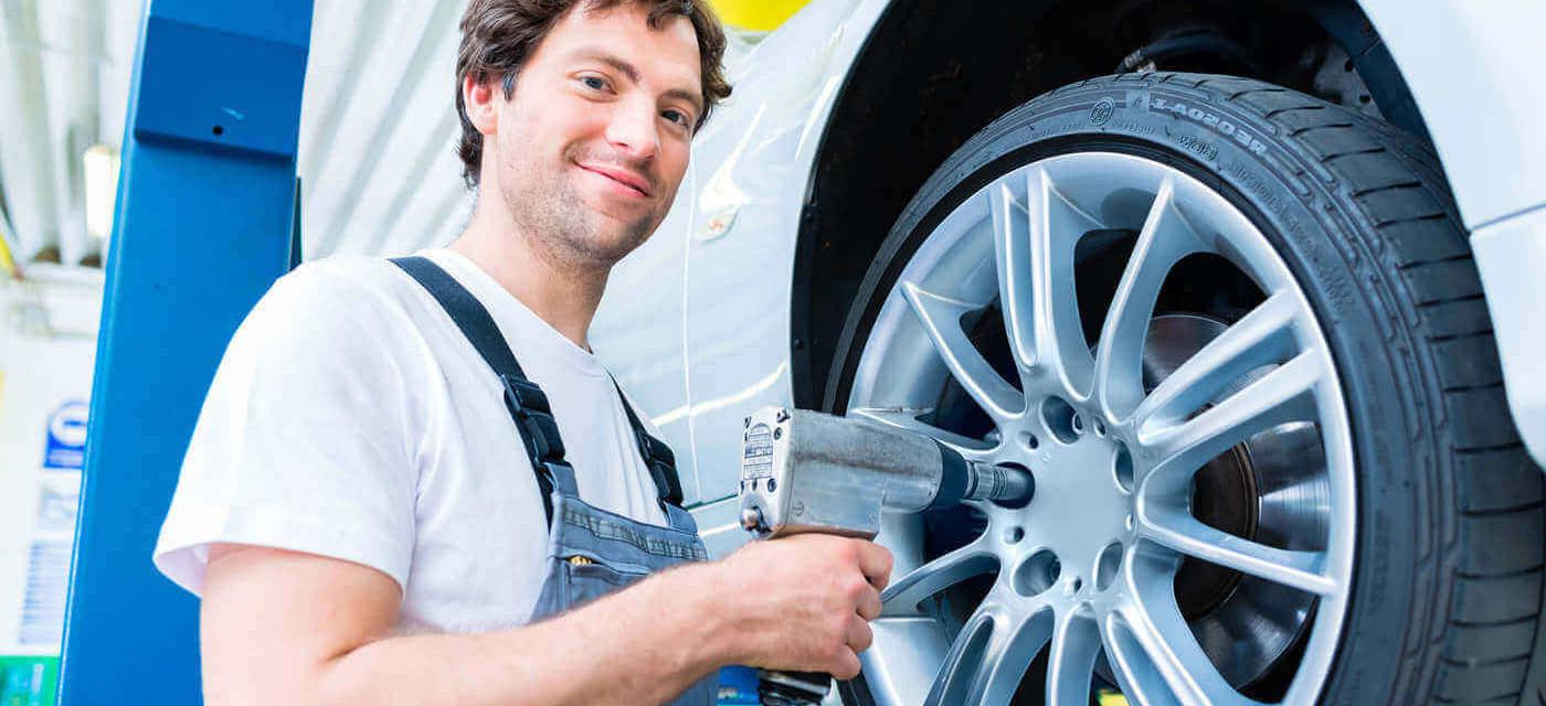 Header für Helfer Reifen-Monteur (m/w/d)